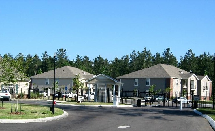 Exterior View Of Property at Cypress Park Apartments, Mississippi, 39702