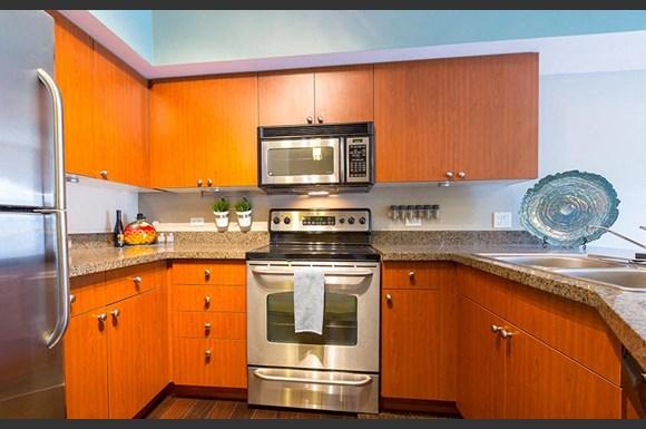 Neptune Apartments 912 Dexter Ave N