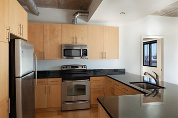 1025 N Fillmore St 1-2 Beds Apartment for Rent Photo Gallery 1