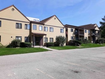 N62 W23404 Silver Spring Dr 1-2 Beds Apartment for Rent Photo Gallery 1