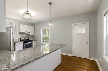 291 Avenue C 2 Beds House for Rent Photo Gallery 1