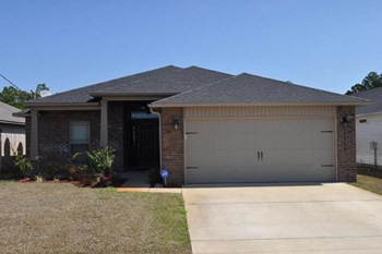 2206 Pawnee Drive 4 Beds House for Rent Photo Gallery 1