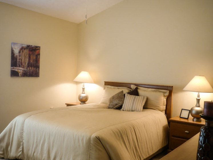Comfortable Bedroom at Parkside at Maple Canyon, Columbus, OH, 43299