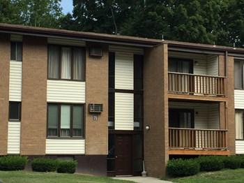 The Arbors Condominium 2 Beds Apartment for Rent Photo Gallery 1