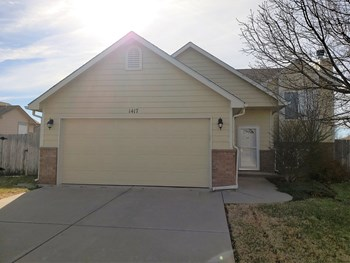 1417 Cedar Tree 3 Beds House for Rent Photo Gallery 1