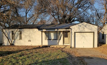 161 Stewart 3 Beds House for Rent Photo Gallery 1