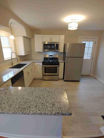 6253 Sturdy Avenue 3 Beds House for Rent Photo Gallery 1