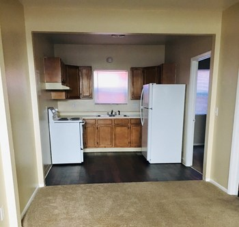 506 E Pikes Peak Ave 1 Bed Apartment for Rent Photo Gallery 1