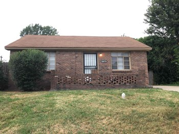 1975 Warren 3 Beds House for Rent Photo Gallery 1