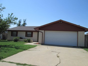 1705 SE INDIANA AVE 3 Beds Apartment for Rent Photo Gallery 1
