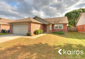 2720 Edgemere Drive 3 Beds House for Rent Photo Gallery 1