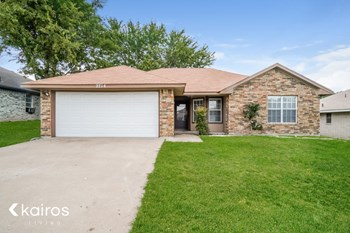 2714 Fieldstone Drive 3 Beds House for Rent Photo Gallery 1