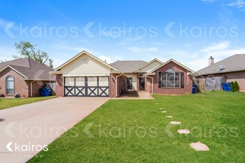 317 E Twelve Oaks Terrace 3 Beds House for Rent Photo Gallery 1