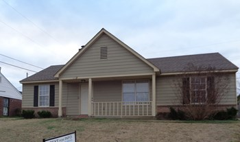4383 Grand Pyramid 3 Beds House for Rent Photo Gallery 1