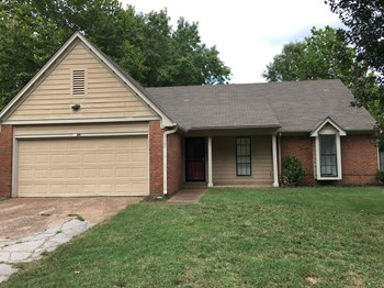 4450 Spring Harbor 3 Beds House for Rent Photo Gallery 1