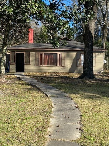 1559 Martin Drive, East 2 Beds House for Rent Photo Gallery 1