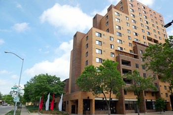 344 W. Dayton St. 1 Bed Apartment for Rent Photo Gallery 1