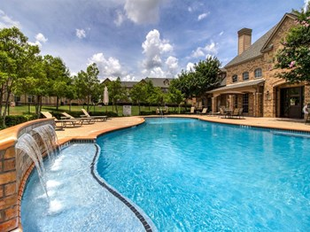1751 Towne Crossing Blvd 2 Beds Apartment for Rent Photo Gallery 1