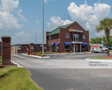 Storage Units for Rent available at 2687 Beaver Run Blvd, Surfside Beach, SC 29575 Photo Gallery 1