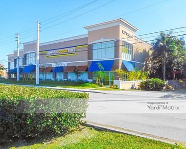 Storage Units for Rent available at 11060 Griffin Road, Cooper City, FL 33330 Photo Gallery 1