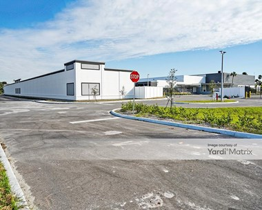 Storage Units for Rent available at 2670 Colonial Blvd, Fort Myers, FL 33907 Photo Gallery 1