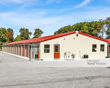 Storage Units for Rent available at 23 James Street, Holland, MI 49424 Photo Gallery 1