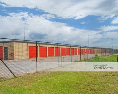 Storage Units for Rent available at 942 East IH 30, Garland, TX 75043 Photo Gallery 1