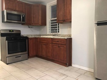 48 Rutgers Avenue 4 Beds Apartment for Rent Photo Gallery 1