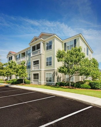 1600 Belle Pointe Drive 1 Bed Apartment for Rent Photo Gallery 1