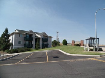 1620 NE Northwood Dr 1-3 Beds Apartment for Rent Photo Gallery 1