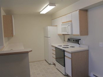 1365 NE Brandi Way 2-3 Beds Apartment for Rent Photo Gallery 1