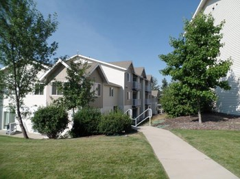 910 NE Providence Court 1-3 Beds Apartment for Rent Photo Gallery 1