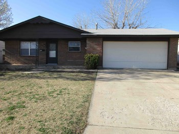 5716 NW CHESTNUT LN 4 Beds Apartment for Rent Photo Gallery 1