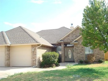6710 SW DRIFTWOOD DR 3 Beds Apartment for Rent Photo Gallery 1