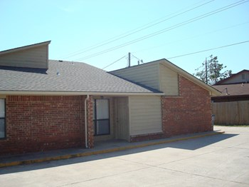 911 ROGERS LANE  1 2 Beds Apartment for Rent Photo Gallery 1