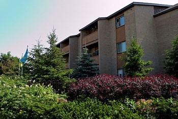 101-1015 Pembridge Cres 1 Bed Apartment for Rent Photo Gallery 1