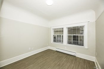 1600-1612 3Rd Avenue, 322 Foothill Boulevard Studio-2 Beds Apartment for Rent Photo Gallery 1