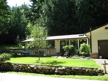 9445 Echo Valley Road Northwest 3 Beds House for Rent Photo Gallery 1