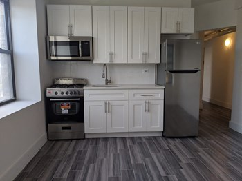 500 Garfield Avenue 1 Bed Apartment for Rent Photo Gallery 1