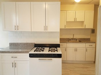 94 Woodlawn Avenue 2 Beds Apartment for Rent Photo Gallery 1