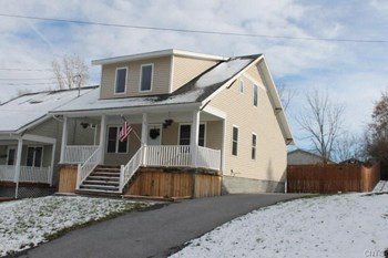 338 Michigan Ave 4 Beds House for Rent Photo Gallery 1