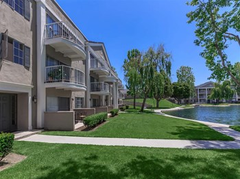 3700 South Plaza Drive 1 Bed Apartment for Rent Photo Gallery 1
