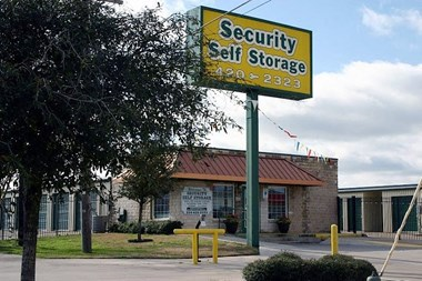 Storage Units for Rent available at 8811 Van American Drive, Waco, TX 76712 Photo Gallery 1
