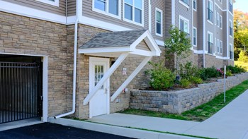 Gardenside Commons Phase I 1 Bed Apartment for Rent Photo Gallery 1