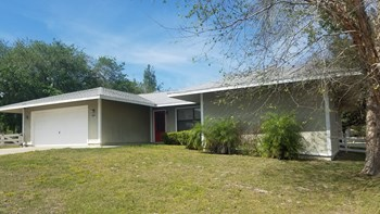 2215 West Shining Dawn Lane 3 Beds House for Rent Photo Gallery 1