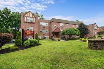 Fox Chase Apartments Studio-2 Beds Apartment for Rent Photo Gallery 1
