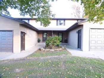 2171 Packerland Drive 3 Beds House for Rent Photo Gallery 1