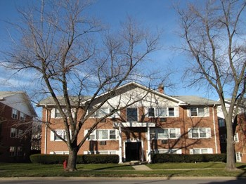 8440 West 95th Street, L.L.C. 1-2 Beds Apartment for Rent Photo Gallery 1