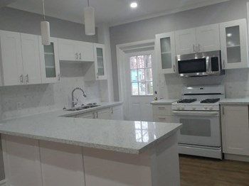 200 Sanford Avenue South 3 Beds Apartment for Rent Photo Gallery 1