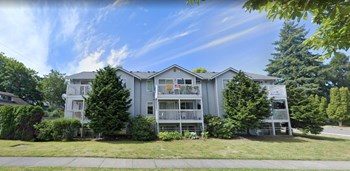 705 East Maple Street 2 Beds Apartment for Rent Photo Gallery 1